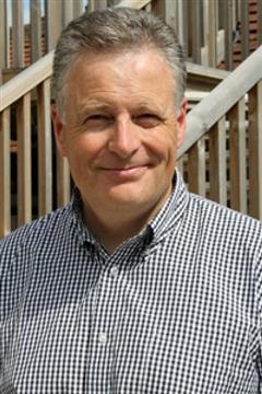 Peter Clark - https://www.senlacvets.co.uk/customise/upload/pictures/73_a_small.jpg