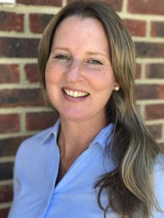 Janet Holt - https://www.senlacvets.co.uk/customise/upload/pictures/82_a_small.jpg